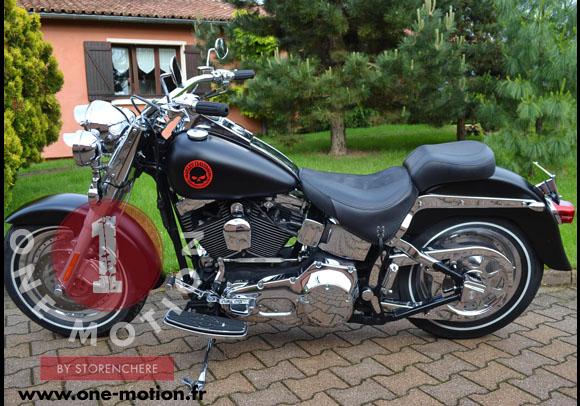 Harley Davidson Fat Boy Avec Flanc Blanc